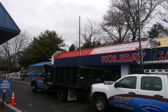 Holiday-Service-Center-and-Car-Wash-1