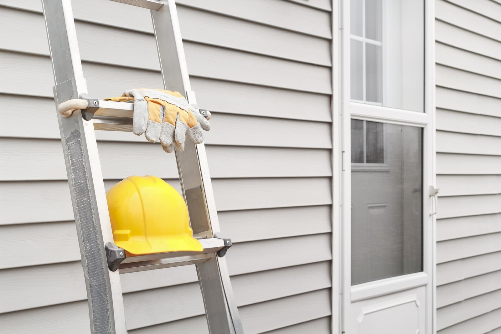 The Benefits of New Siding for Your Home or Business